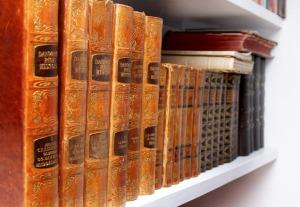 old-books-1534109